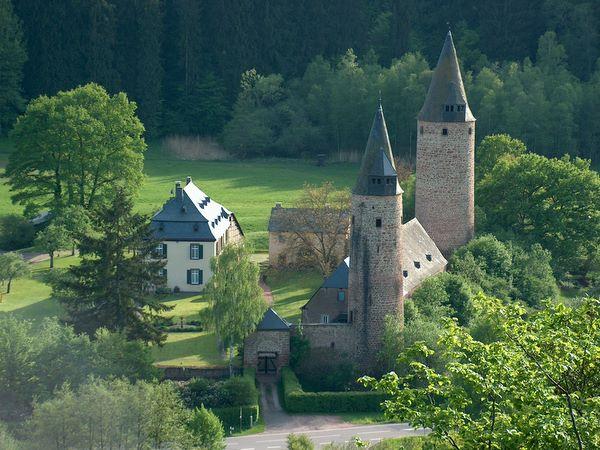Das Wahrzeichen von Bruch: Burg Bruch